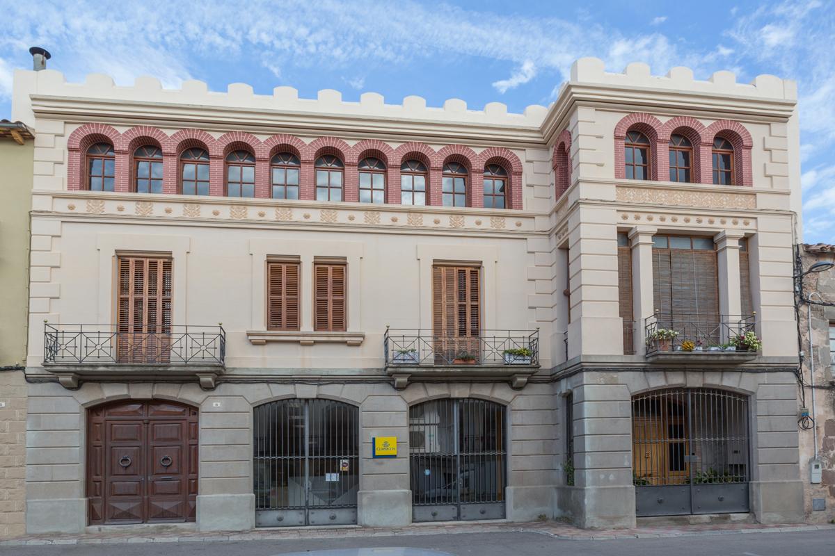 Cal Casals, edifici modernista