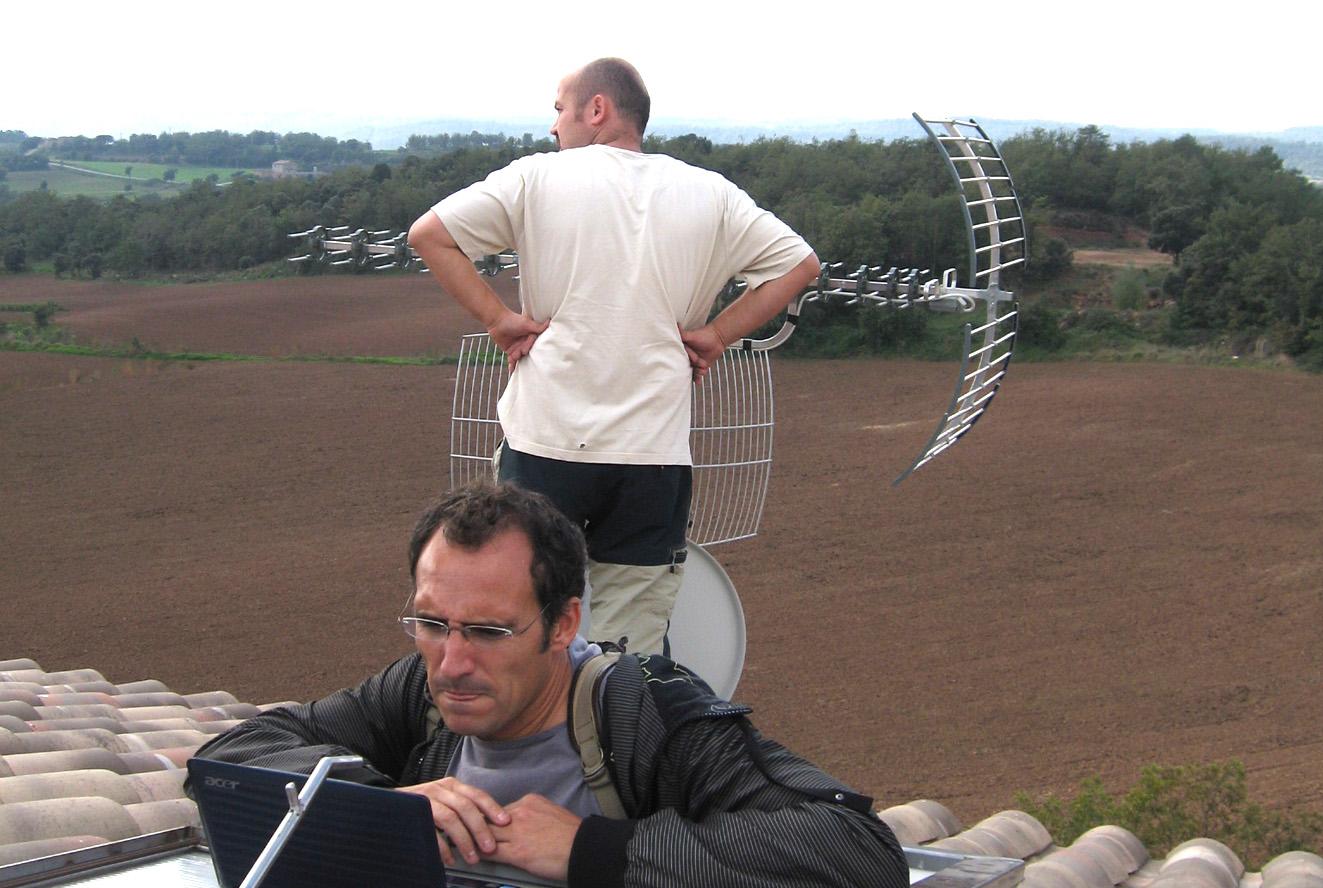 Desplegament de guifi.net pel Lluçanès. Ocutbre del 2008 // Foto: Flickr Fotos SBG