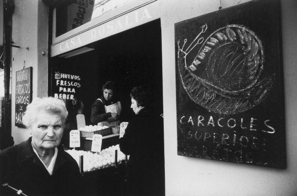 Fragment d'una fotografia de Xavier Miserachs del llibre 'Barcelona, blanc i negre' (Aymà, 1964).