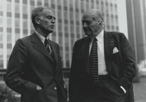 Manuel Ortínez i Josep Tarradellas. Fotografia de Carles Fontserè (Arxiu Tarradellas)