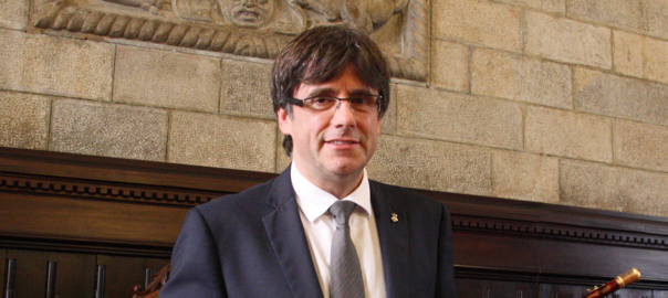 Carles Puigdemont, en el moment de ser proclamat batlle de Girona, el 13 de juny de 2015 (fotografia: ACN).
