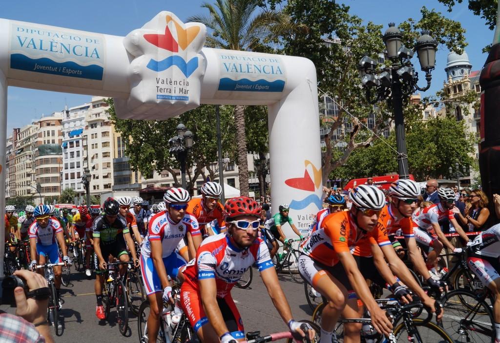 Eixida a València de la 5a Volta Ciclista-Trofeu Diputació de València