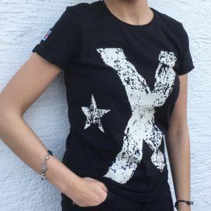 samarreta noia bandera negra