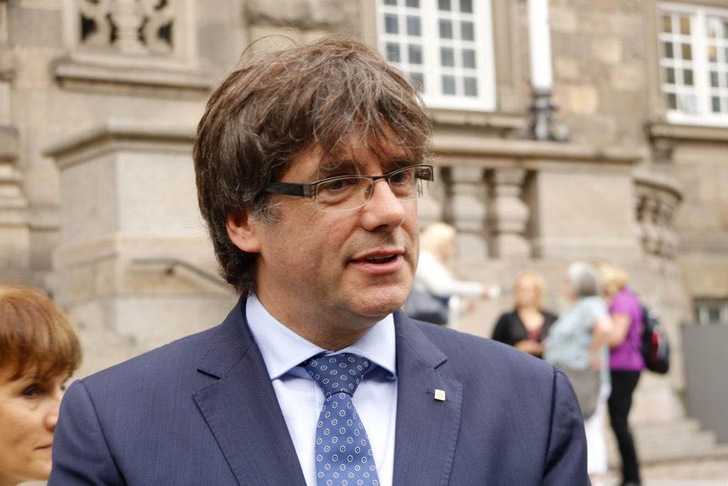Puigdemont critica les 'manipulacions, falsedats i provocacions' de La Razón
