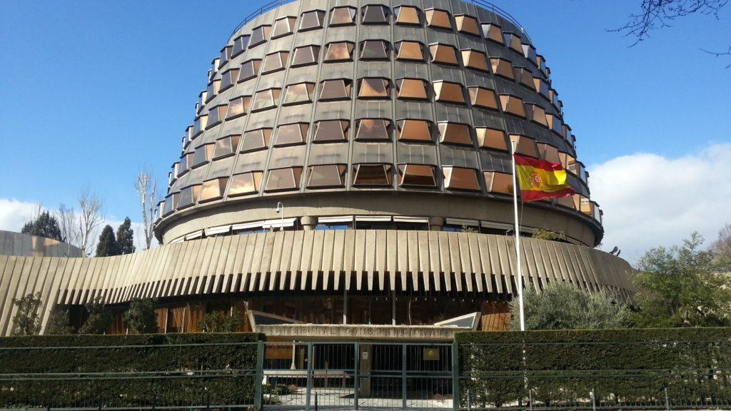 vilaweb.cat - El Tribunal Constitucional espanyol suspèn l'entrada a presó dels ultres que van assaltar el centre Blanquerna la Diada del 2013