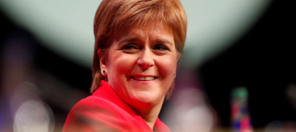 sturgeon pla economic independencia escocia
