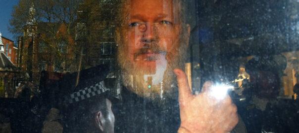 pressio extradicio assange suecia