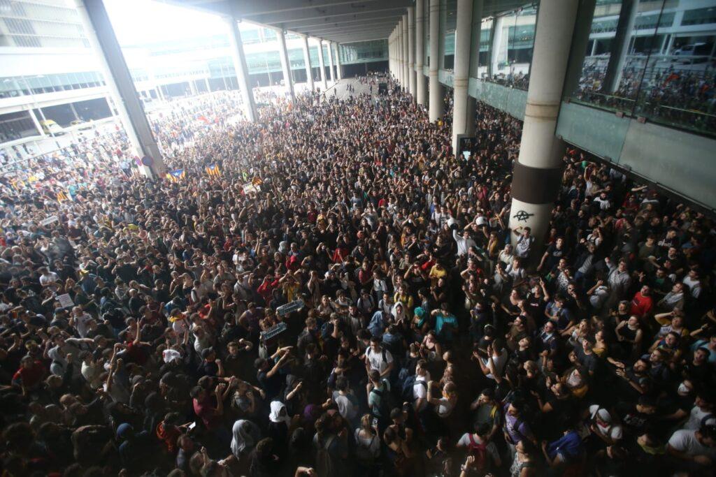 aeroport de Barcelone bloqué