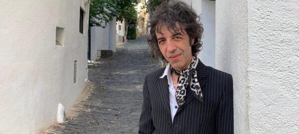 Marc Ros, cantant de Sidonie, en una imatge d'axriu (Fotor:MR)