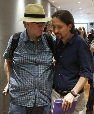 Manuel Monereo I Pablo Iglesias (Foto: EFE)